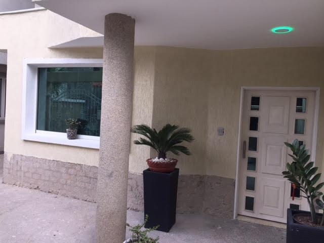 Townhouse Aragua>Maracay>La Floresta - Venta:202.666.000.000 Precio Referencial - codigo: 17-7883