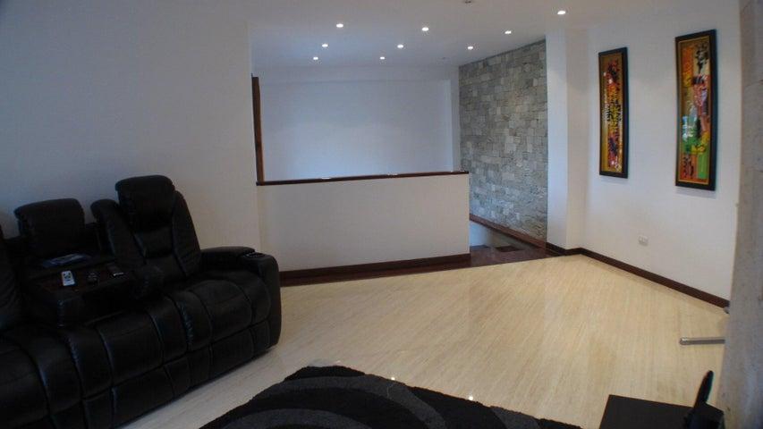 Apartamento Distrito Metropolitano>Caracas>La Castellana - Venta:458.044.000.000 Precio Referencial - codigo: 17-7987