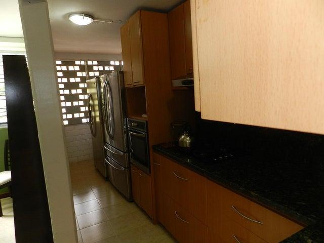Apartamento Distrito Metropolitano>Caracas>Terrazas de Guaicoco - Venta:300.000.000 Bolivares Fuertes - codigo: 17-7997