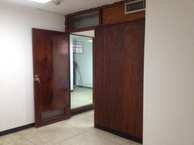 Oficina Zulia>Maracaibo>Tierra Negra - Alquiler:27.000.000 Bolivares - codigo: 17-8043