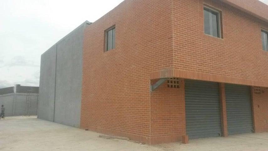 Local Comercial Carabobo>Valencia>Flor Amarillo - Alquiler:3.000.000 Bolivares - codigo: 17-8052