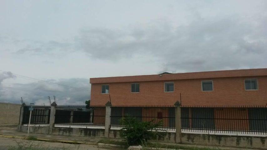 Local Comercial Carabobo>Valencia>Flor Amarillo - Alquiler:2.000.000 Bolivares - codigo: 17-8053
