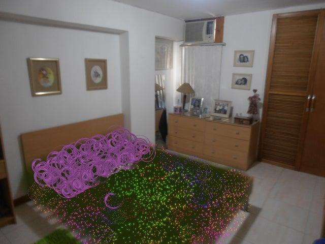 Apartamento Aragua>Maracay>La Soledad - Venta:37.618.000.000 Precio Referencial - codigo: 17-8106