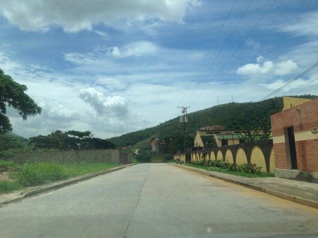 Townhouse Carabobo>Municipio Naguanagua>Manantial - Venta:19.065.000.000  - codigo: 17-8115