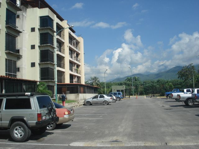 Apartamento Miranda>Guatire>Buenaventura - Venta:8.245.000.000 Precio Referencial - codigo: 17-8138