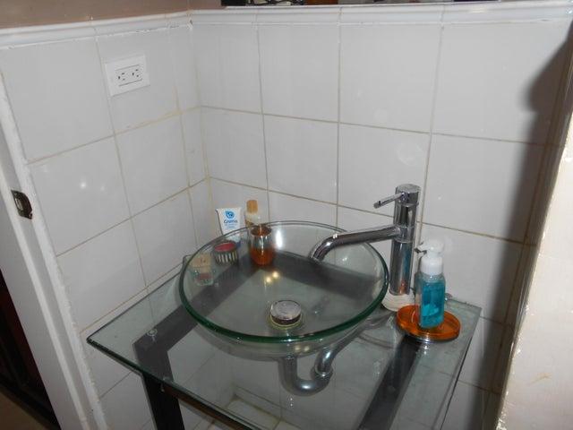 Casa Distrito Metropolitano>Caracas>Caicaguana - Venta:34.909.000.000 Bolivares - codigo: 17-8172