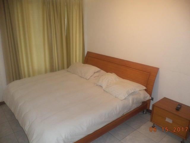 Apartamento Distrito Metropolitano>Caracas>Los Palos Grandes - Venta:27.518.000 Precio Referencial - codigo: 17-8193