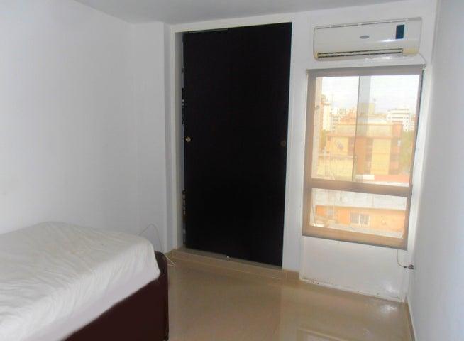 Apartamento Aragua>Maracay>La Soledad - Venta:204.667.000.000 Precio Referencial - codigo: 17-8198