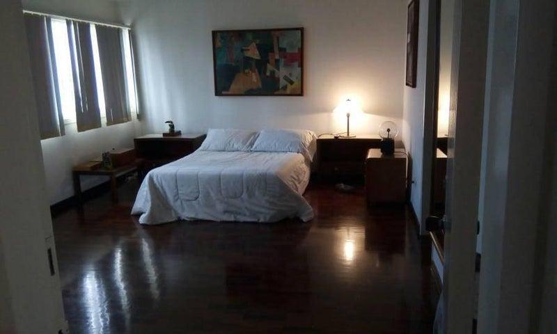 Apartamento Distrito Metropolitano>Caracas>Terrazas del Club Hipico - Venta:125.189.000.000 Precio Referencial - codigo: 14-1041