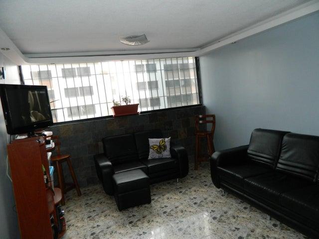Apartamento Miranda>Los Teques>Parque Residencial La Quinta - Venta:15.500 US Dollar - codigo: 17-8688