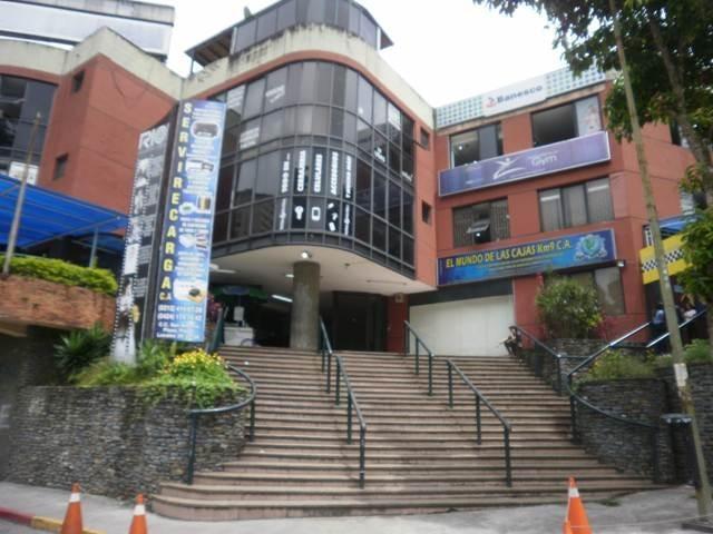Local Comercial Miranda>San Antonio de los Altos>Las Salias - Venta:70.000 Precio Referencial - codigo: 17-8717