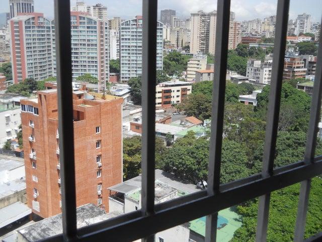 Apartamento Distrito Metropolitano>Caracas>San Bernardino - Venta:297.697.000.000 Precio Referencial - codigo: 17-9014