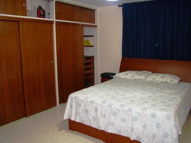 Apartamento Distrito Metropolitano>Caracas>El Marques - Venta:205.116.000.000 Precio Referencial - codigo: 17-8829