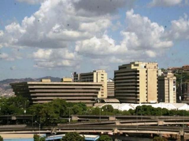 Oficina Distrito Metropolitano>Caracas>Chuao - Alquiler:700 Precio Referencial - codigo: 17-8916