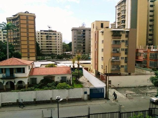Apartamento Distrito Metropolitano>Caracas>El Paraiso - Venta:31.599.000.000 Precio Referencial - codigo: 17-9098