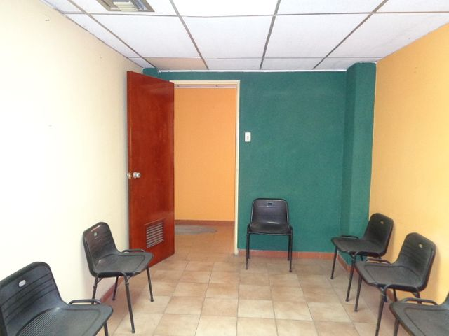 Oficina Lara>Barquisimeto>Centro - Venta:12.500 US Dollar - codigo: 17-9115