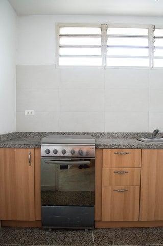 Apartamento Distrito Metropolitano>Caracas>El Marques - Venta:6.257.000 Precio Referencial - codigo: 17-9135