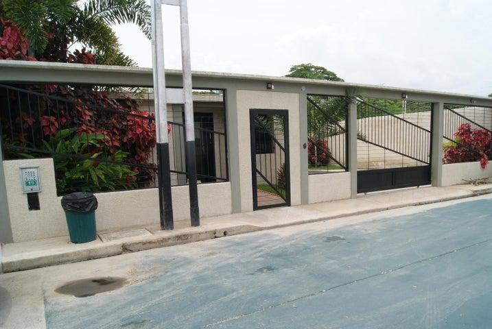 Casa Carabobo>Guacara>Carret Guacara - San Joaquin - Venta:2.600.000.000 Bolivares - codigo: 17-9182