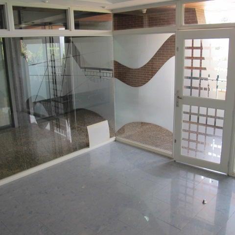 Local Comercial Distrito Metropolitano>Caracas>La Lagunita Country Club - Venta:40.000 Precio Referencial - codigo: 17-10280