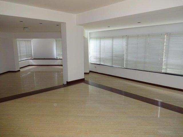 Apartamento Distrito Metropolitano>Caracas>Valle Arriba - Alquiler:543.000.000 Bolivares Fuertes - codigo: 17-9277