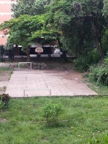 Apartamento Distrito Metropolitano>Caracas>El Marques - Venta:15.275.000.000 Bolivares Fuertes - codigo: 17-10141