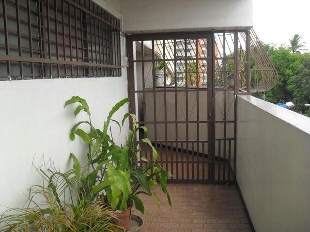 Apartamento Aragua>Cagua>Carretera Nacional - Venta:8.500 US Dollar - codigo: 17-9581