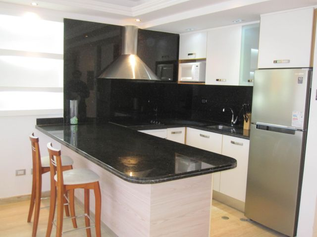 Apartamento Distrito Metropolitano>Caracas>El Rosal - Venta:170.000 US Dollar - codigo: 17-9599
