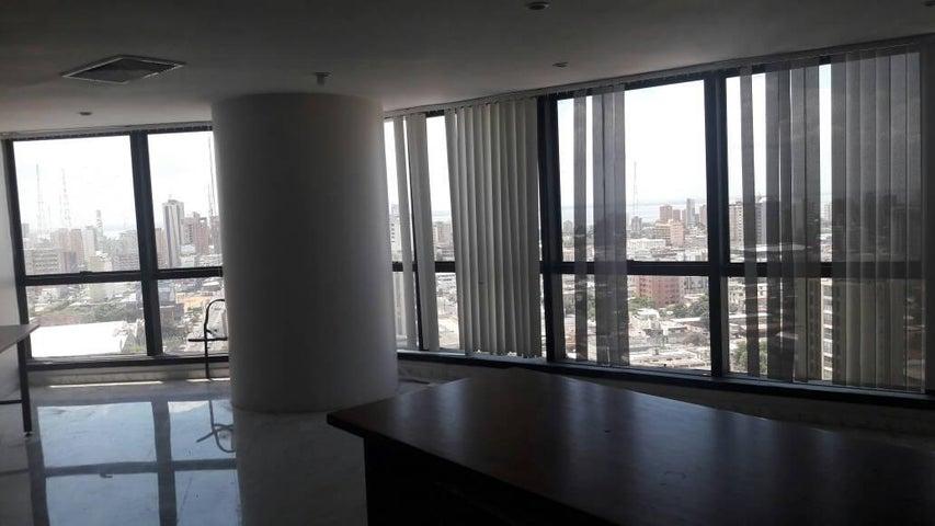 Oficina Zulia>Maracaibo>5 de Julio - Alquiler:100 Precio Referencial - codigo: 17-9826