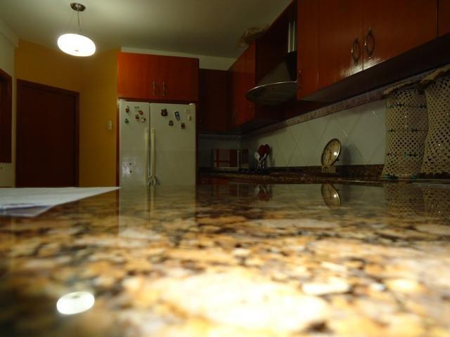 Townhouse Zulia>Maracaibo>Avenida Milagro Norte - Venta:126.694.000.000 US Dollar - codigo: 17-9871