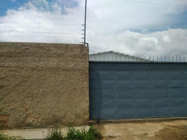 Terreno Carabobo>Guacara>Carret Guacara - San Joaquin - Venta:220.000 US Dollar - codigo: 17-10525