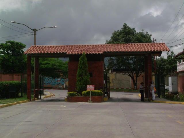 Casa Miranda>Guatire>La Esperanza - Venta:82.047.000.000 Precio Referencial - codigo: 17-10133