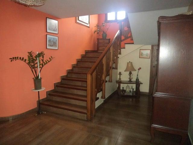 Casa Lara>Barquisimeto>Santa Elena - Venta:1.460.568.000.000 Precio Referencial - codigo: 17-10240