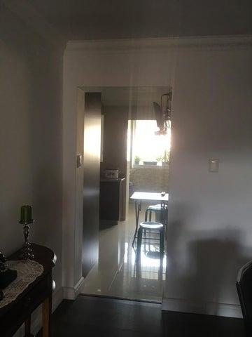 Apartamento Distrito Metropolitano>Caracas>La Urbina - Venta:21.431.000.000 Bolivares Fuertes - codigo: 17-10247