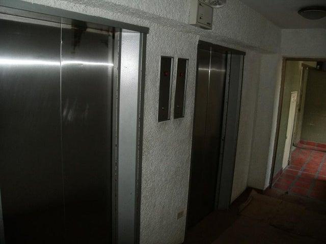 Apartamento Distrito Metropolitano>Caracas>Terrazas del Club Hipico - Venta:2.400.000.000 Bolivares Fuertes - codigo: 17-10261