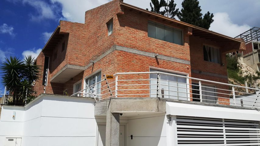 Casa Distrito Metropolitano>Caracas>Los Guayabitos - Venta:90.234.000.000 Bolivares - codigo: 17-10250