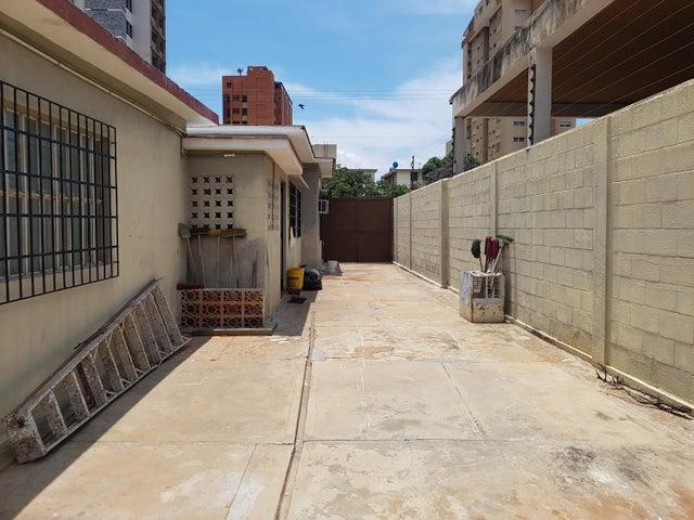 Casa Zulia>Maracaibo>Tierra Negra - Venta:80.000 Precio Referencial - codigo: 17-10359
