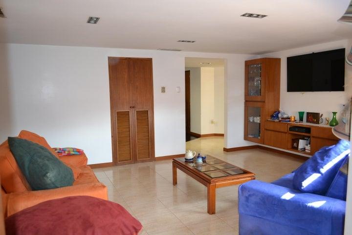 Apartamento Zulia>Maracaibo>Colonia Bella Vista - Venta:34.415.000 Precio Referencial - codigo: 17-10423