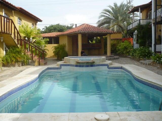 Townhouse Nueva Esparta>Margarita>Playa El Agua - Venta:40.000 Precio Referencial - codigo: 17-10475