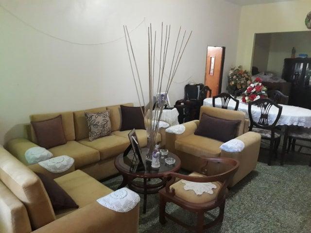 Casa Zulia>Ciudad Ojeda>La N - Venta:2.263.000.000 Bolivares - codigo: 17-11097