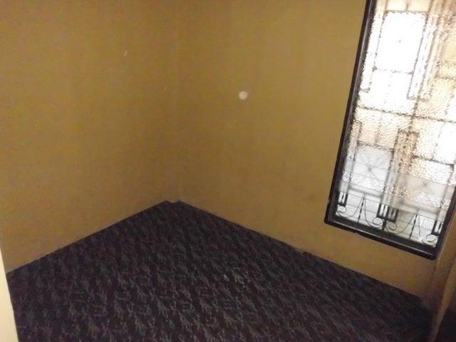 Casa Aragua>Turmero>La Fuente - Venta:15.000 US Dollar - codigo: 17-11036