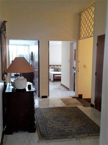 Casa Distrito Metropolitano>Caracas>Alto Prado - Venta:270.000 Precio Referencial - codigo: 17-11142