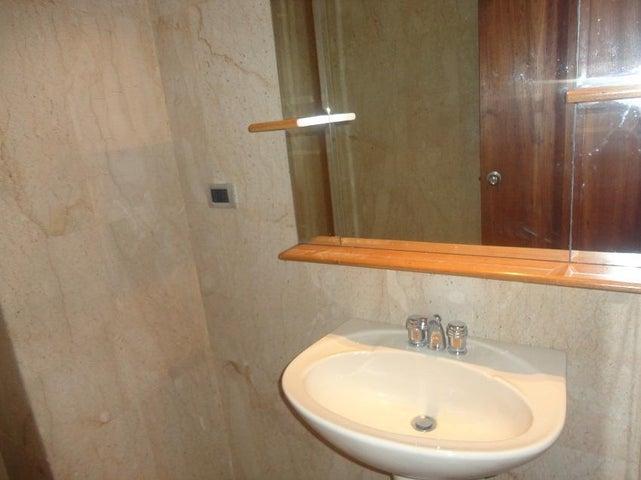 Apartamento Distrito Metropolitano>Caracas>La Lagunita Country Club - Alquiler:136.000.000 Bolivares Fuertes - codigo: 17-11176