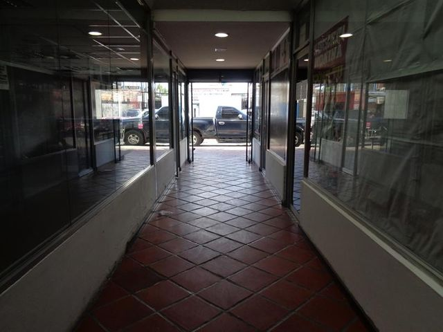 Edificio Lara>Barquisimeto>Centro - Venta:500.000 US Dollar - codigo: 17-11302