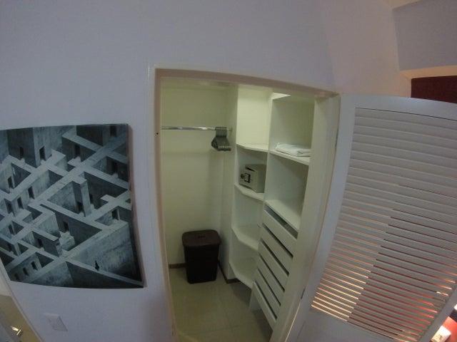 Apartamento Distrito Metropolitano>Caracas>Santa Eduvigis - Alquiler:800 US Dollar - codigo: 17-11331
