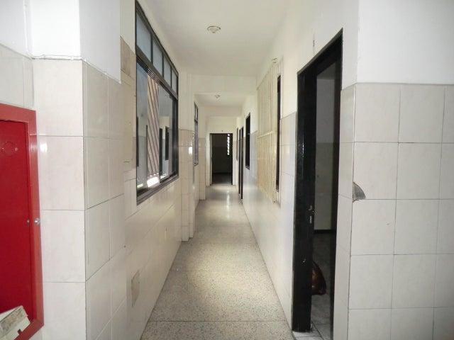 Edificio Miranda>Guatire>Guatire - Venta:295.000 Precio Referencial - codigo: 17-11348