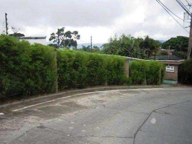 Terreno Distrito Metropolitano>Caracas>Caicaguana - Venta:30.000 US Dollar - codigo: 17-11366