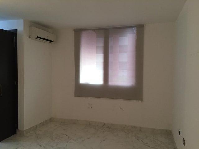 Apartamento Distrito Metropolitano>Caracas>Los Naranjos Humboldt - Venta:9.000.000.000 Bolivares Fuertes - codigo: 17-11668
