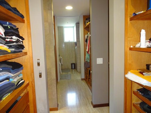 Apartamento Distrito Metropolitano>Caracas>Los Chorros - Venta:450.000 Precio Referencial - codigo: 17-11527