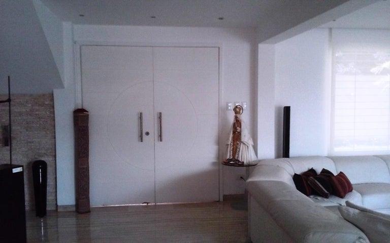 Casa Distrito Metropolitano>Caracas>Sorocaima - Venta:207.688.000.000 Bolivares - codigo: 17-11882