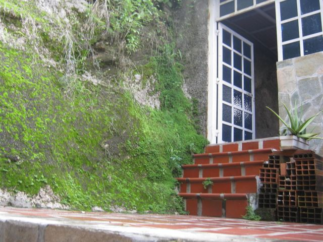 Casa Carabobo>Municipio San Diego>La Esmeralda - Venta:30.000 US Dollar - codigo: 17-11669